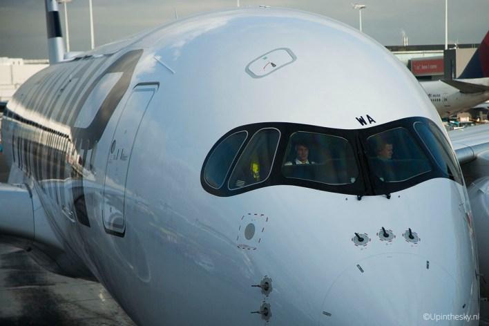 Finnair_A350_05_piloten