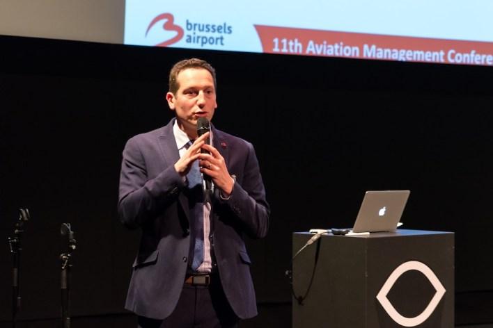 Piet Demunter vertelt over de impact van airline business models op de infrastructuur van de Brusselse luchthaven Zaventem. ©Daan van der Heijden