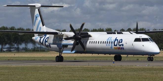 Dash8 FlyBe met luchtkussens van Oostbaan gehaald