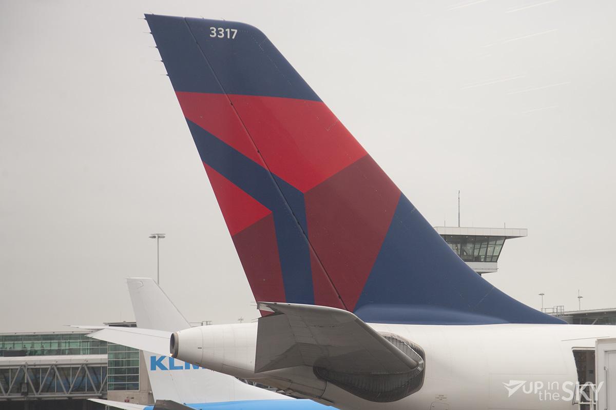 Delta 777 noodgedwongen naar Amsterdam