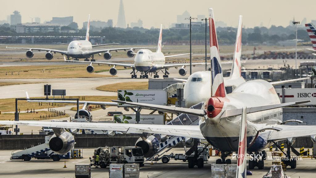 Drukste dag in Britse luchtruim ooit - video