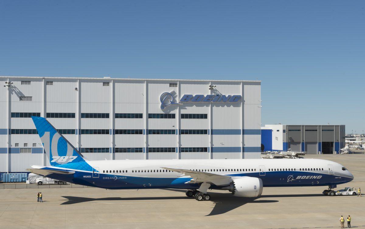 Boeing toont 787-10 Dreamliner