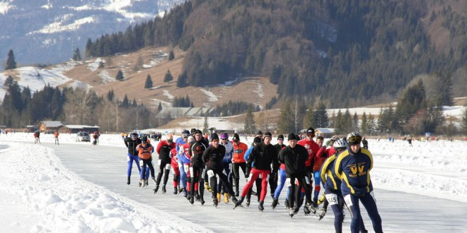 Transavia vliegt schaatsers naar Oostenrijk