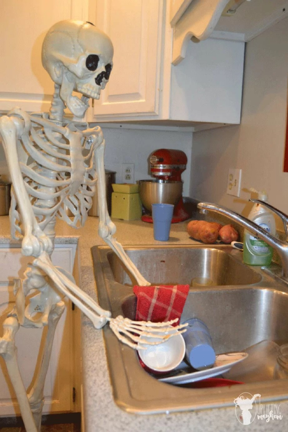 30 Hilarious Quot Elf On The Shelf Quot Ideas For Your Halloween