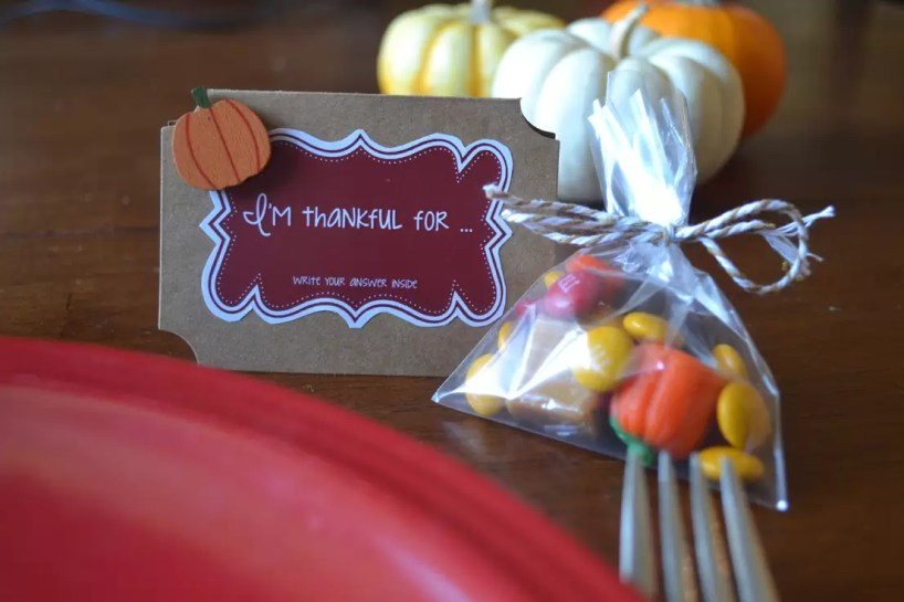 plate, place card, candy, table favors