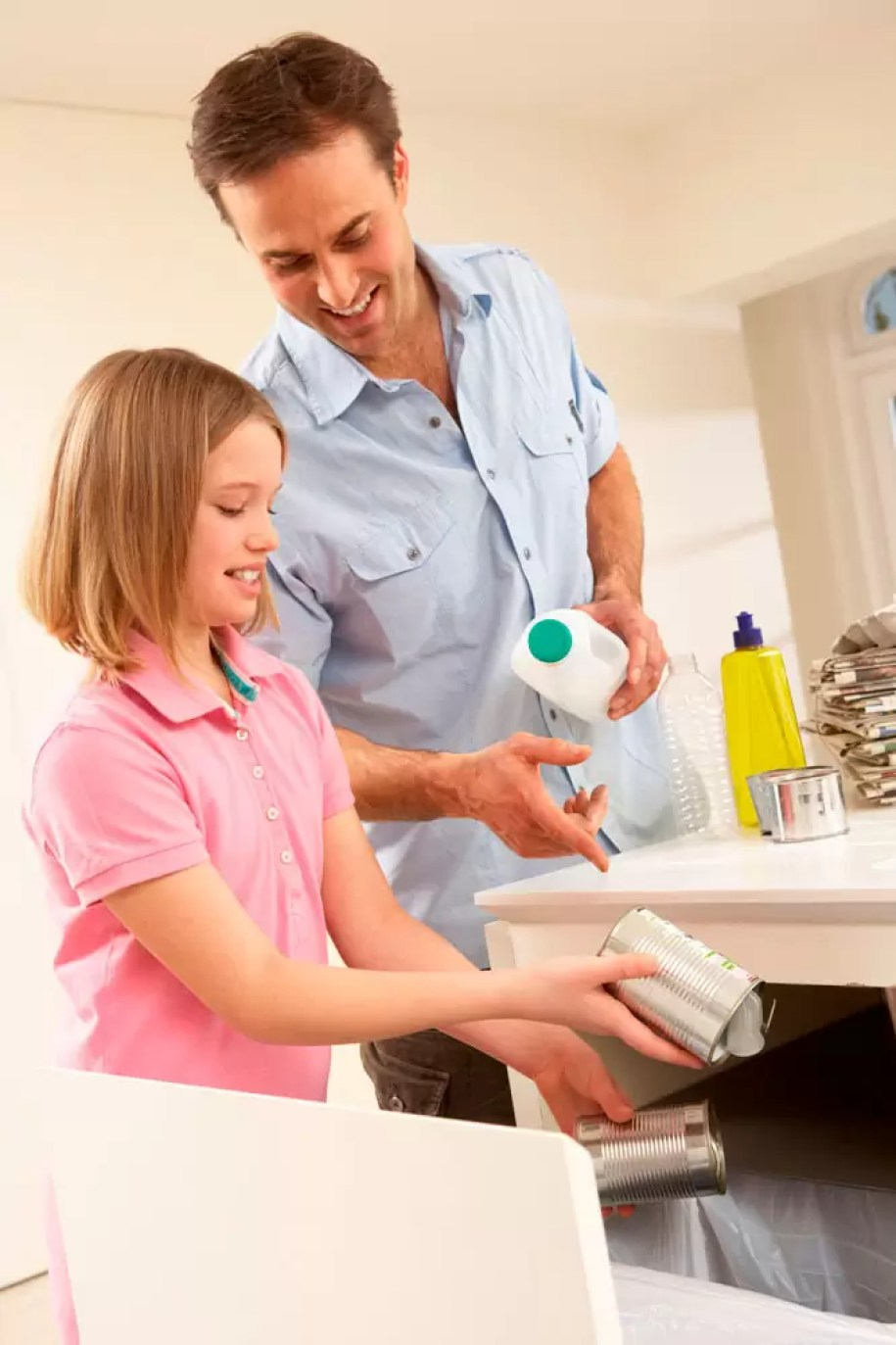 Power House Cleaning Tips that will help keep your house clean with your busy life and kids. How to stay on top of your house cleaning!