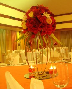 river-rose-wedding-centre-head-table-deco`s