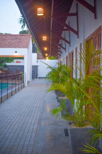 Palm Leaves Hotel Outdoor