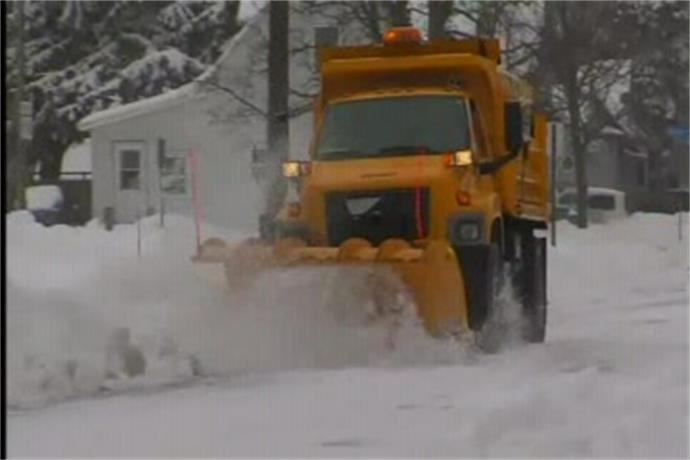 More snow causes headache for commuters_-5897926336668349537