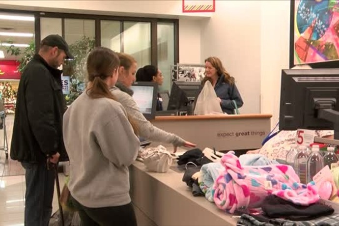 Black Friday shopping in the U.P._2383742021255253871