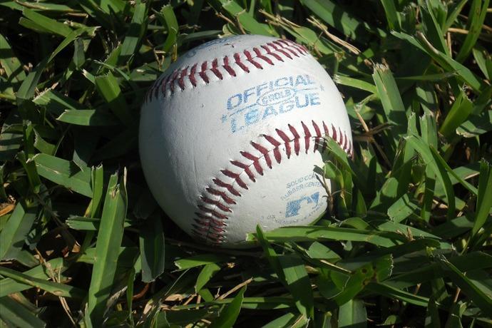 baseball_5348721103800126446