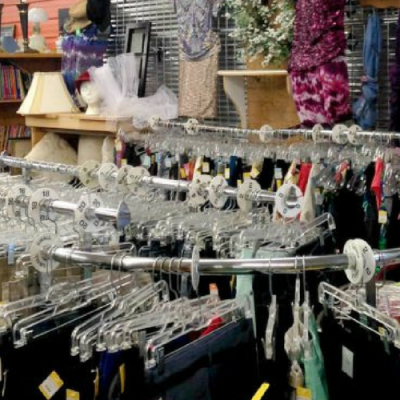 Previously Loved | Thrift Store Shopping Hacks for Busy Parents