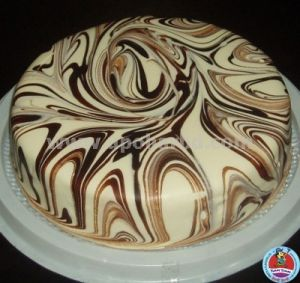 Buy Unique Cakes Online Cake With Marble Design Round