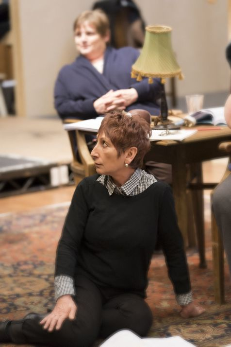 7. Fiz Marcus (foreground) and Jenny Galloway in rehearsal for Absolute Hell (c) Johan Persson