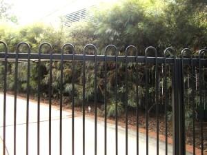 Aluminium loops gates