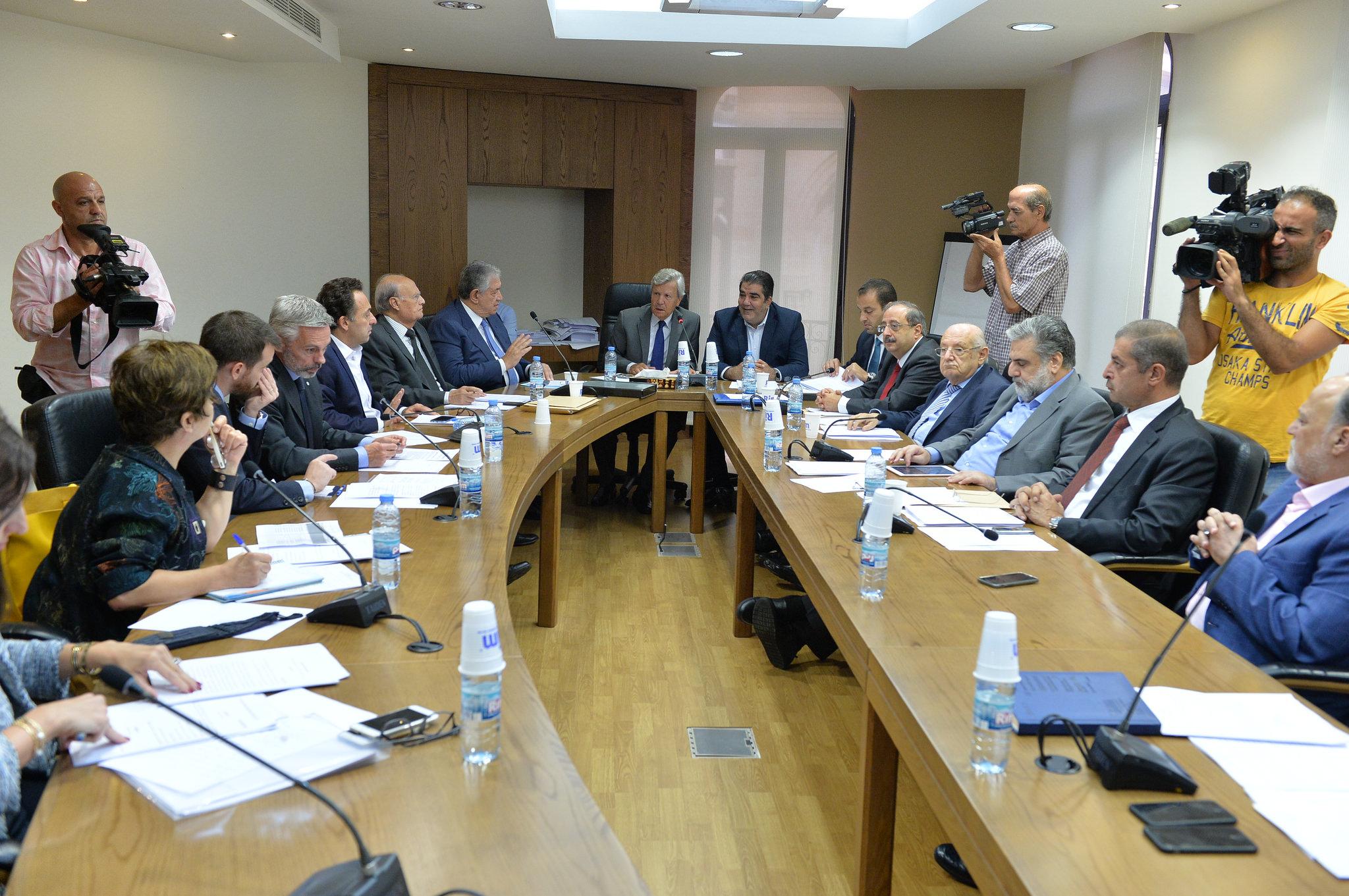 لبنان يتحجج بالأوضاع السائدة لعدم تطبيقِ معايير حقوقِ الانسان-دينا أبي صعب