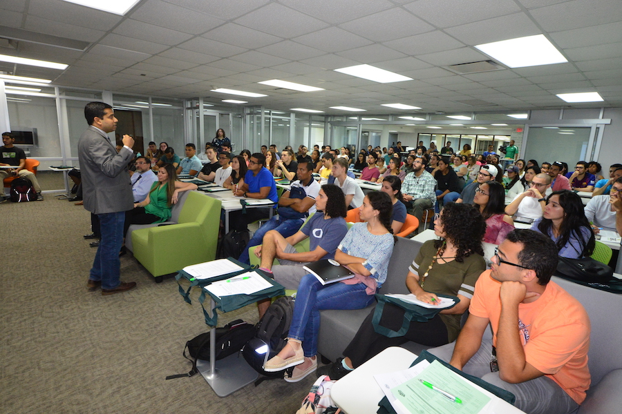 El Centro de Enriquecimiento Profesional (CEP) y la Oficina de Estudios Graduados llevaron a cabo su tradicional orientación a estudiantes de nivel graduado de nuevo ingreso. Foto Carlos Díaz/Prensa RUM