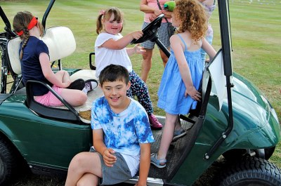 Sitting-on-a-Buggy-at-Enmore-Golf-Club