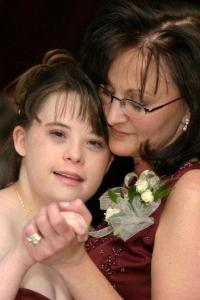 Leah_&_Mom_-_tender_moment[1]
