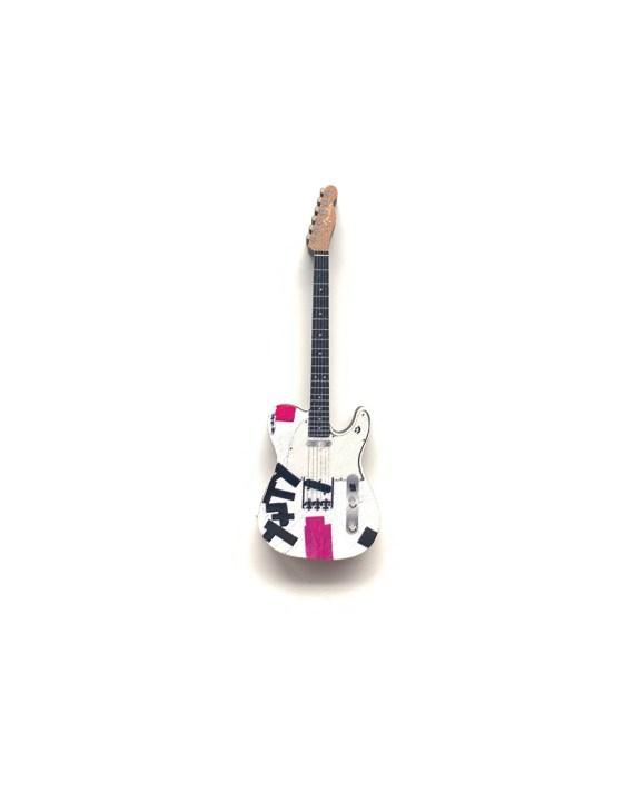 Yungblud Guitar Pin