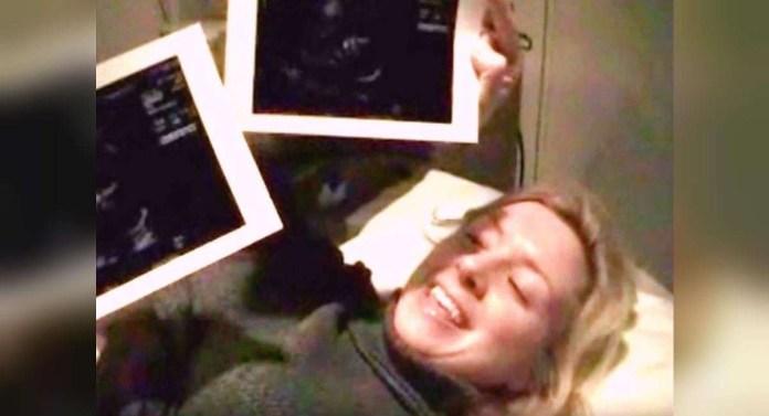 Resultado de imagen para Mujer graba el ultrasonido para saber el sexo de su bebé