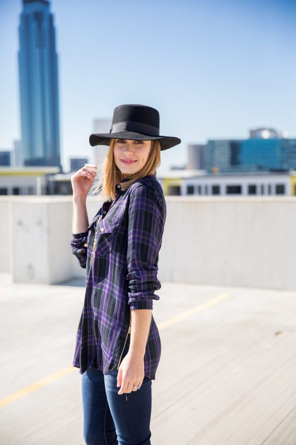Plaid shirt outfit boho street look