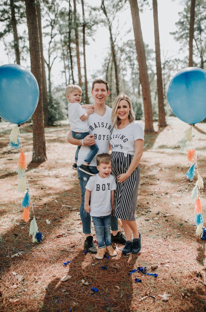 Gender reveal | Gender reveal Ideas | Gender reveal family photos | Uptown with Elly Brown
