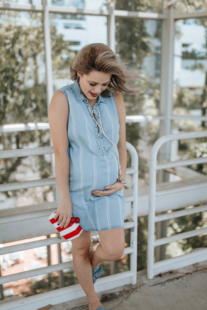 Cute Patriotic Outfit | Chambray Dress | Maternity style | Red, white, and blue outfit | Uptown with Elly Brown