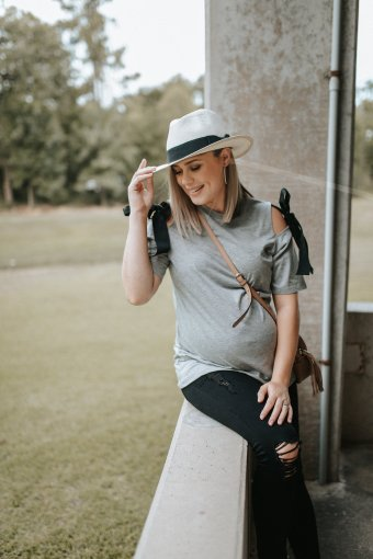 Priority shift + Casual Maternity Style
