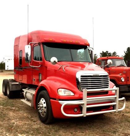 Stock #893 – 2009 Freightliner Sleeper Tractor