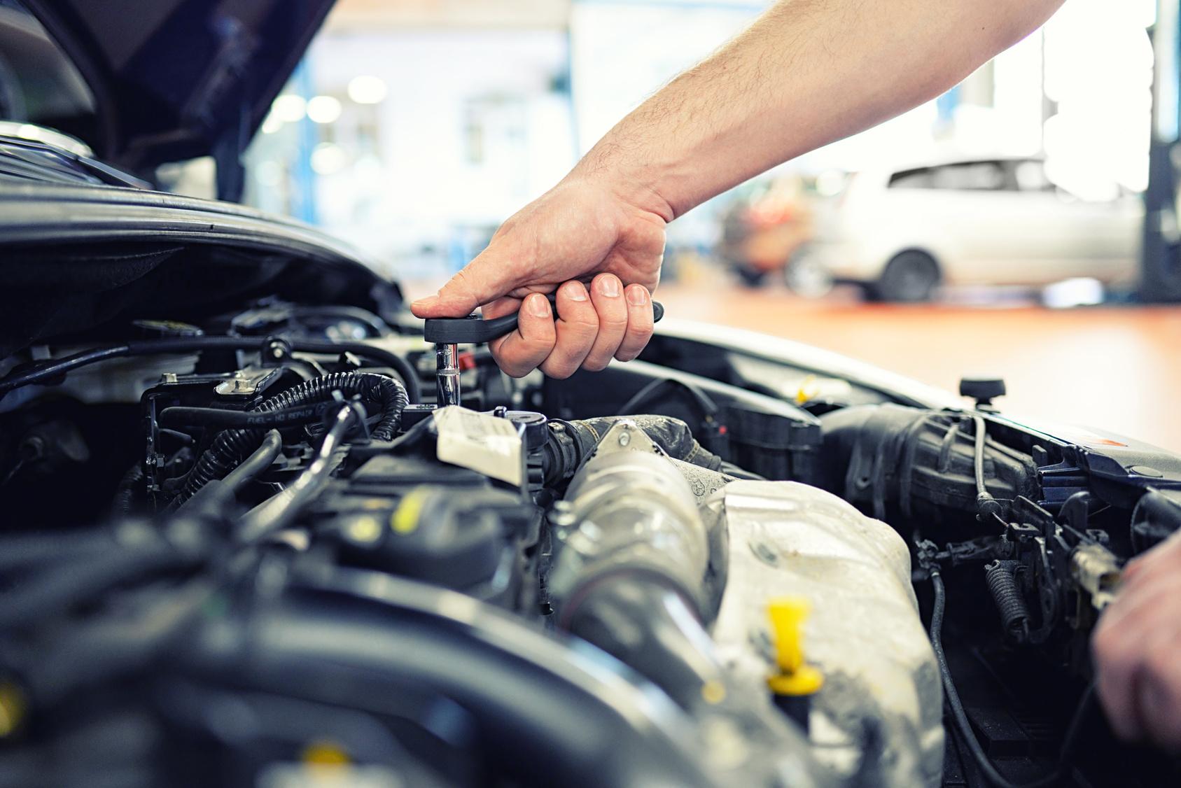 2 Easy To Use Free Auto Repair Shop Management Software Upwix Com