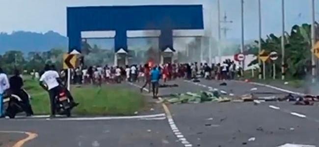 Manifestantes incendian peaje de Riogrande en Urabá