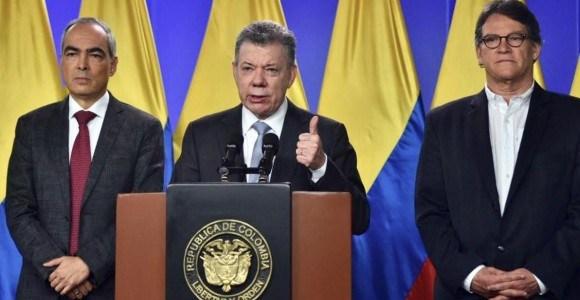 Santos ordena reactivar la mesa y el equipo viaja a Quito