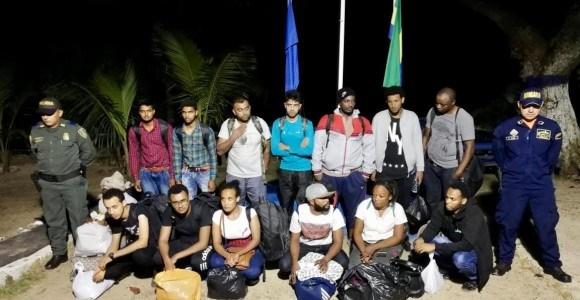 Armada rescató a 14 migrantes de Asia y África en Urabá