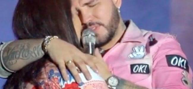 Jessi Uribe no aguantó las lágrimas y lloró durante serenata por el Día de la Madre