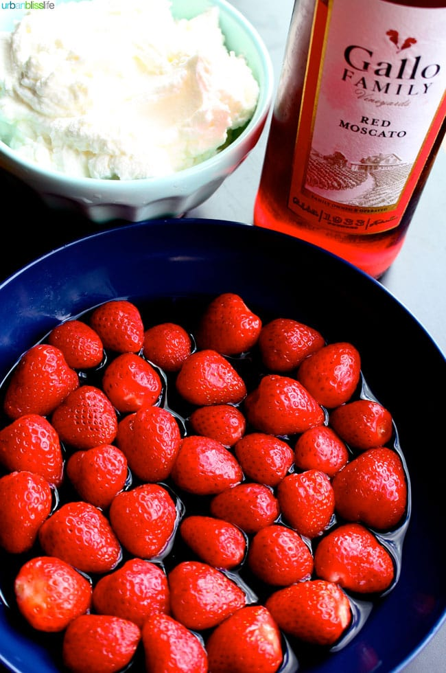 Moscato strawberries recipe | UrbanBlissLife.com