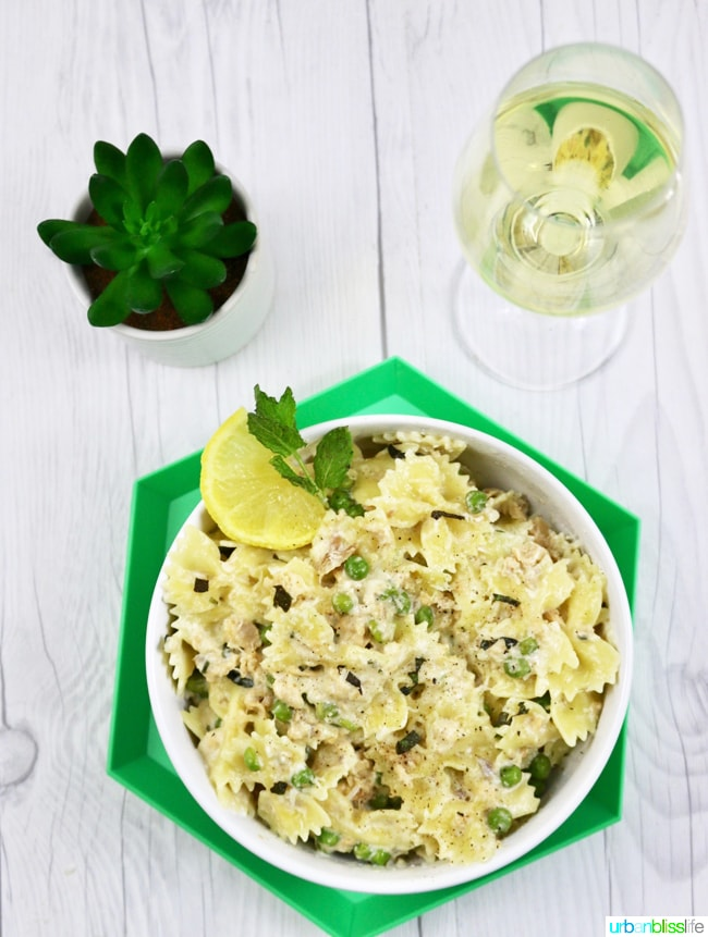 Creamy-Farfalle-with-Salmon-and-Peas-01