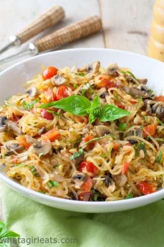 spaghetti squash with mushrooms and tomatoes