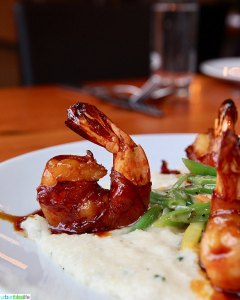 bacon wrapped prawn