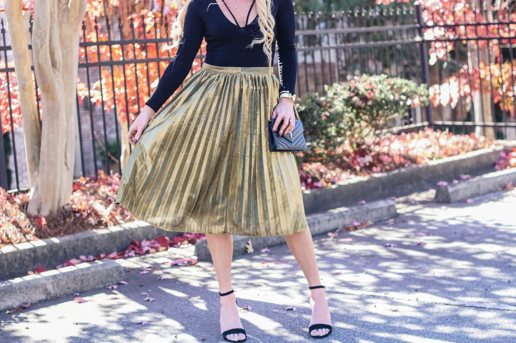 Holiday Party Style Gold Pleated Skirt Urban Blonde