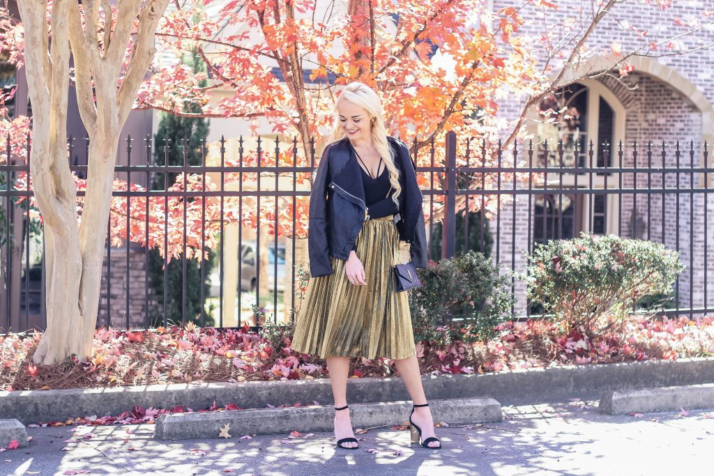 holiday-style-gold-pleated-skirt