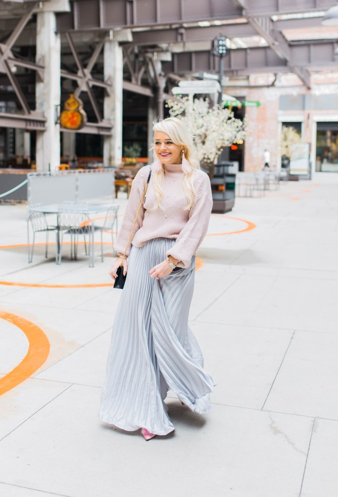 the-pleated-skirt-that-makes-a-statement-winter-fashion-blogger