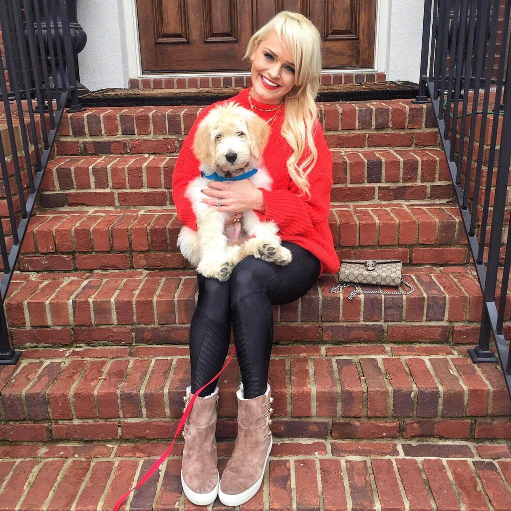 urban-blonde-atlanta-fashion-blogger-home-for-the-holidays-puppy-hootie-goldendoodle
