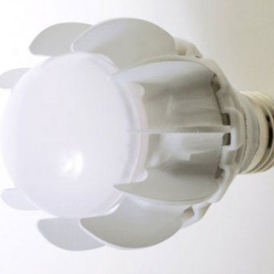 GE Launches First 100 Watt Equivalent LED Bulb Cooled by an Air Pump