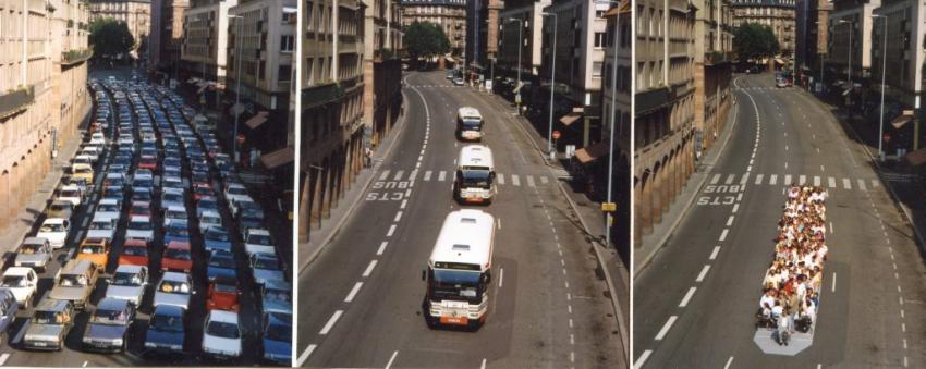 Cette simulation dans une rue de Strasbourg montre qu'un tram peut transporter l'équivalent de 3 bus et 177 autos.