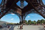 Le sous-sol de la tour Eiffel, sur un ou deux niveaux au maximum, pourrait accueillir un musée dédié à l'œuvre de Gustave Eiffel.