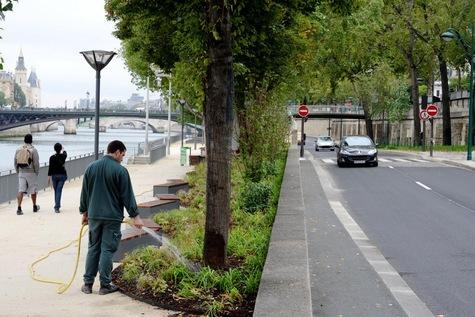 Voie Georges Pompidou à Paris.