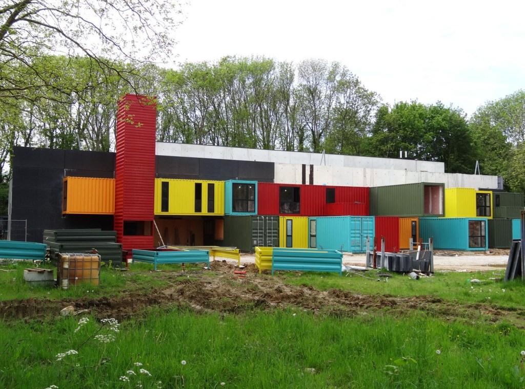 au havre un tetris de containers pour la nouvelle salle de spectacles urbanews. Black Bedroom Furniture Sets. Home Design Ideas
