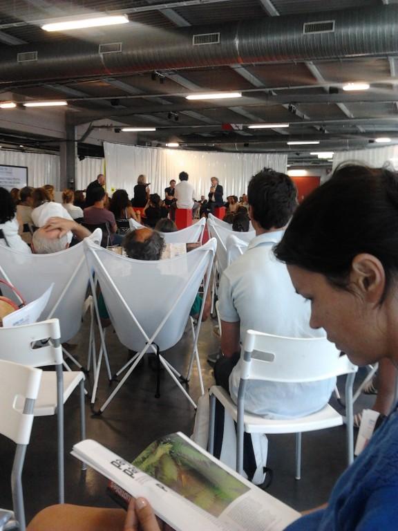 Ring des Conférences - H14 - Agora 2014
