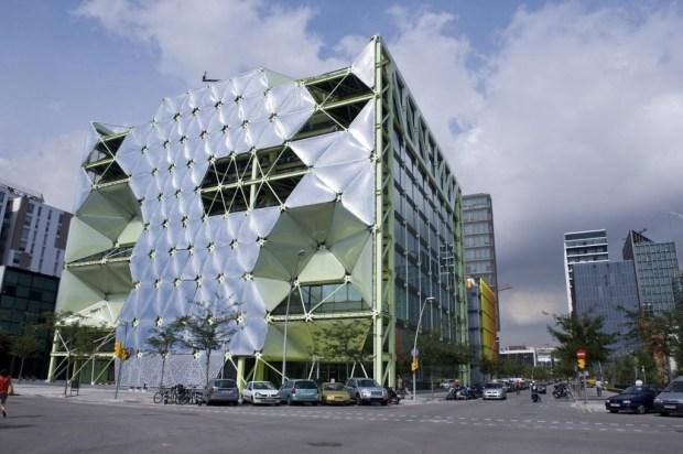 Le Media TIC Building. Icône architecturale de 22@. (UOC. Edifici Media-TIC, Flickr, CC)